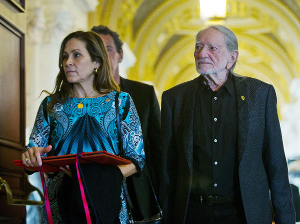 Willie Nelson and his wife Annie D'Angelo in 2015.