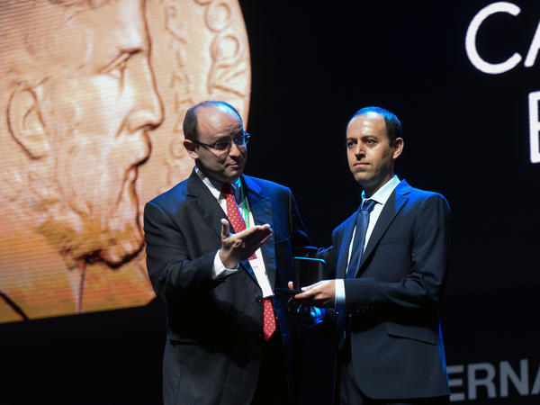 Kurdish mathematician Caucher Birkar (right) received the Fields Medal, math's most prestigious prize, during the International Congress of Mathematicians in Rio de Janeiro on Wednesday. The medal was stolen soon after.