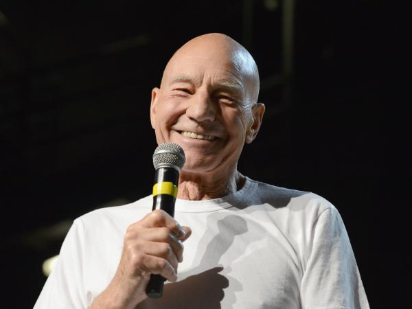 Patrick Stewart, in an unannounced special guest appearance at a convention in Las Vegas, said will return to the role of Captain Jean-Luc Picard.