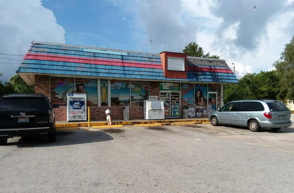 The Clearwater convenience store where police say Markeis McGlocton was killed in a 'stand your ground' case.