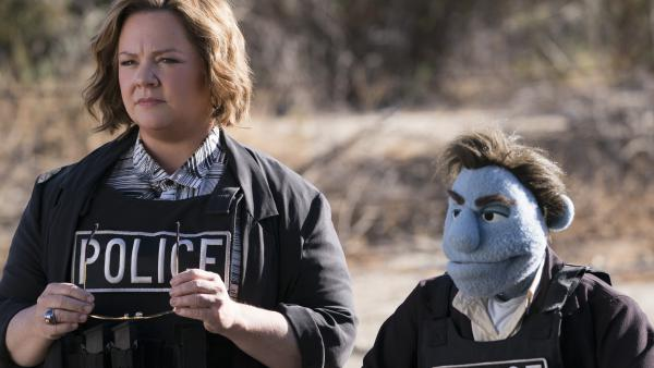 Detective Connie Edwards (Melissa McCarthy) and private eye Phil Philips (Bill Barretta) investigate underhanded goings-on in <em>The Happytime Murders</em>