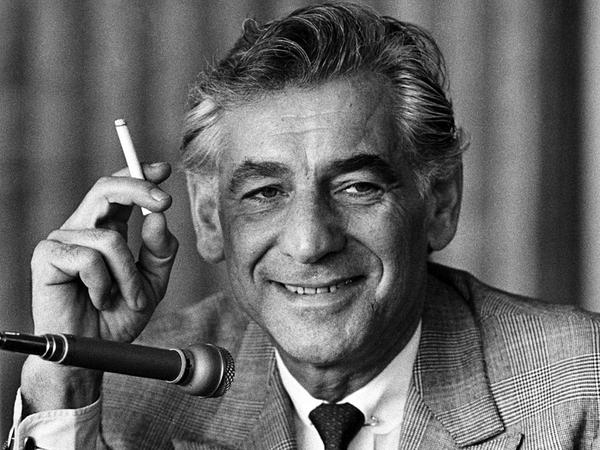 American composer, conductor and pianist Leonard Bernstein, in 1970, at a London press conference.