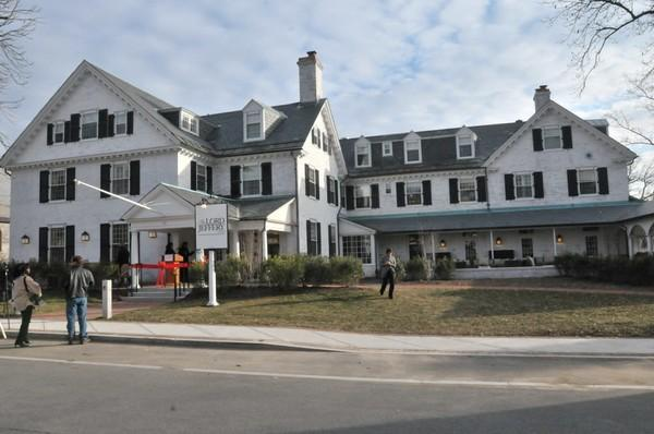 Amherst College will change the name of the Lord Jeffery Inn to The Inn on Boltwood.
