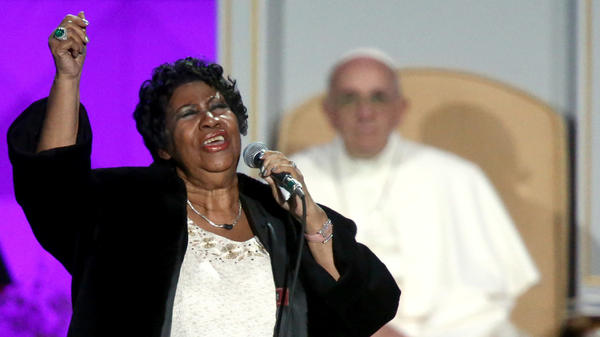 Aretha Franklin performs at the Festival of Families as Pope Francis looks on in September 2015 in Philadelphia,
