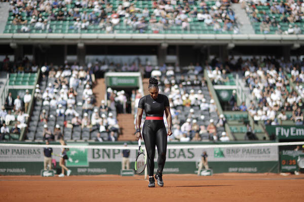 Serena Williams of the U.S. walks back to the baseline after returning a shot against Krystina Pliskova of the Czech Republic during their first round match of the French Open tennis tournament at the Roland Garros stadium in Paris, France, Tuesday, May 29, 2018. (Alessandra Tarantino/AP)