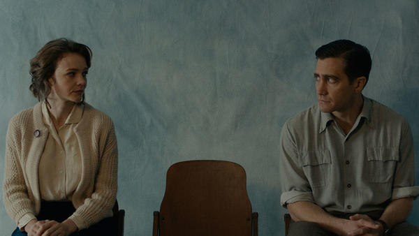 Jeanette (Carey Mulligan) and Jerry (Jake Gyllenhaal) look sheepish in <em>Wildlife</em>.