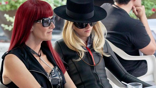 "Laura (Laura Dern) and ""JT LeRoy"" (Kristen Stewart) in <em>Jeremiah Terminator LeRoy</em>."