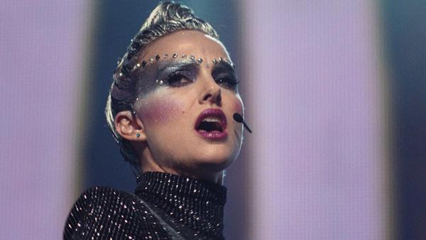 Celeste (Natalie Portman) in <em>Vox Lux.</em>