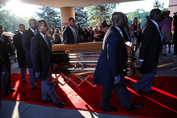 The casket carrying the late singer Aretha Franklin arrives at the Greater Grace Temple for her funeral service in Detroit.