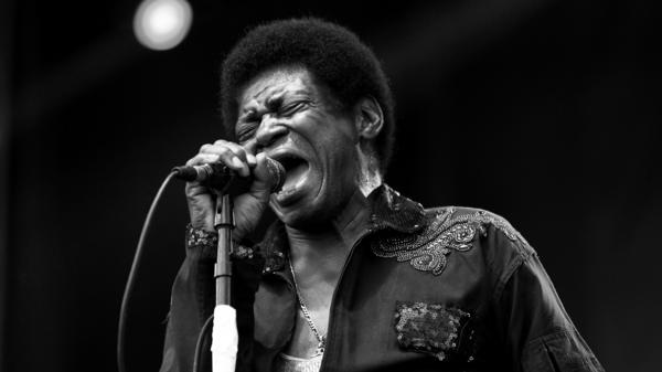 Charles Bradley performing in June 2017.