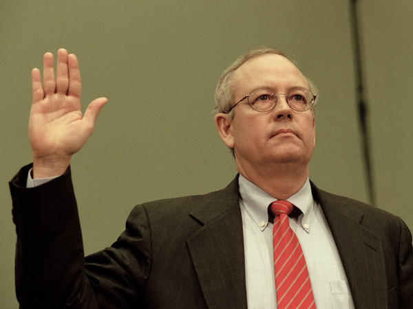 "Independent counsel Kenneth Starr testifies before the House Judicial Committee on Nov. 19, 1998. He alleged that then-President Clinton engaged in ""an unlawful effort to thwart the judicial process."""
