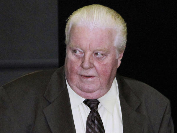 Former Chicago Police Cmdr. Jon  Burge is seen in 2010 at the federal courthouse in Chicago. Burge, who was linked to numerous cases involving the torture of suspects, has died in Florida at 70.