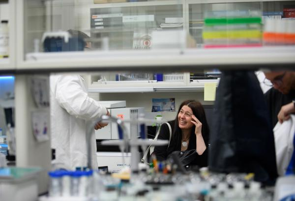 Jelena Janjic, a pain researcher at Duquesne University in Pittsburgh, is exploring nanotechnology to deliver non-opioid pain medications directly into cells.