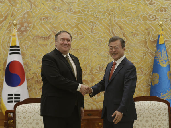 U.S. Secretary of State Mike Pompeo (left) met with South Korean President Moon Jae-in (right) on Sunday at the presidential Blue House in Seoul, following talks with North Korean leader Kim Jong Un in Pyongyang.