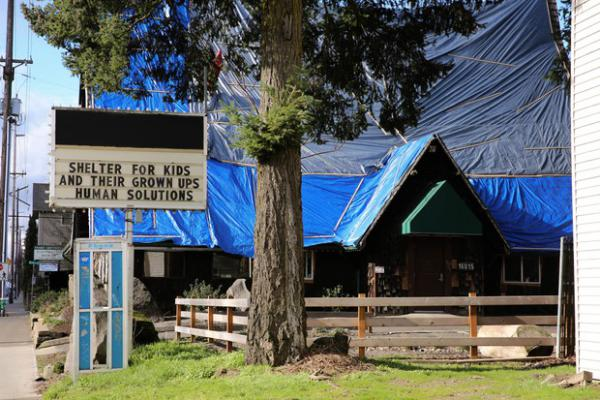 <p>For more than a year, volunteers, staff and social workers have questioned the health and safety of Human Solutions Family Center, Portland's largest shelter for families with children.</p>