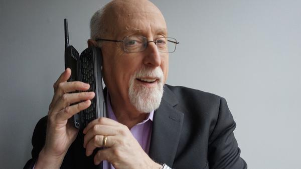 Walt Mossberg has been reporting on technology since the 1990s. He plans to retire in June.