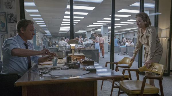 Ben Bradlee (Tom Hanks) and Kay Graham (Meryl Streep) grapple with a big decision in <em>The Post</em>.