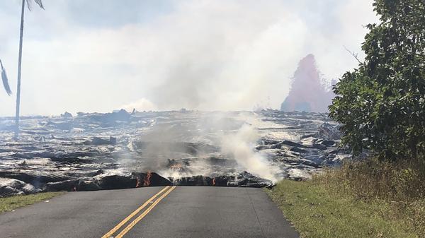 Lava advances west on Leilani Avenue on May 27.