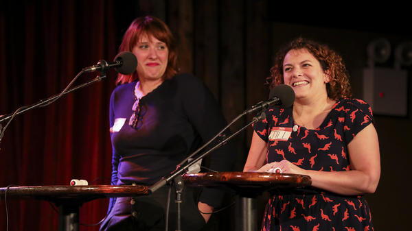 Contestants Emma Blecker and Jill Zarcone appear on <em>Ask Me Another</em> at the Bell House in Brooklyn, New York.