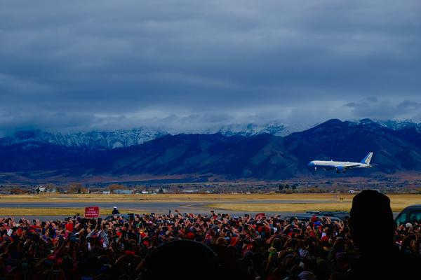 Air Force One makes its final approach into Bozeman Yellowstone International Airport for a presidential campaign rally for Montana's GOP candidates.