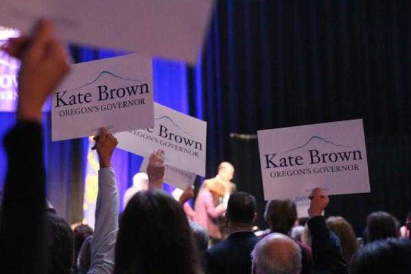 <p>Kate Brown supporters celebrate her win in the 2016 general election.</p>
