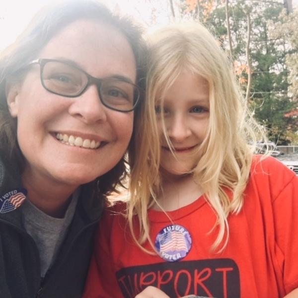Jessica Kelly and her 7-year-old daughter, Teagan.