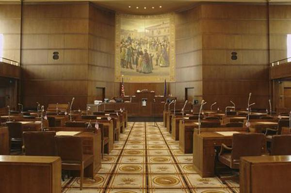 <p>Oregon State Senate chambers</p>