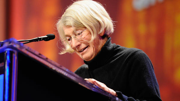 Poet Mary Oliver speaks at the 2010 Women's Conference in California.