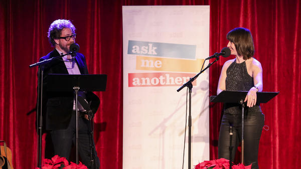 In a game called Fact Bag, Jonathan Coulton and Ophira Eisenberg discuss facts pulled from a bag.