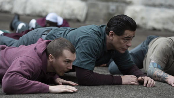 Paul Dano and Benicio del Toro play inmates David Sweat and Richard Matt in <em>Escape at Dannemora.</em>