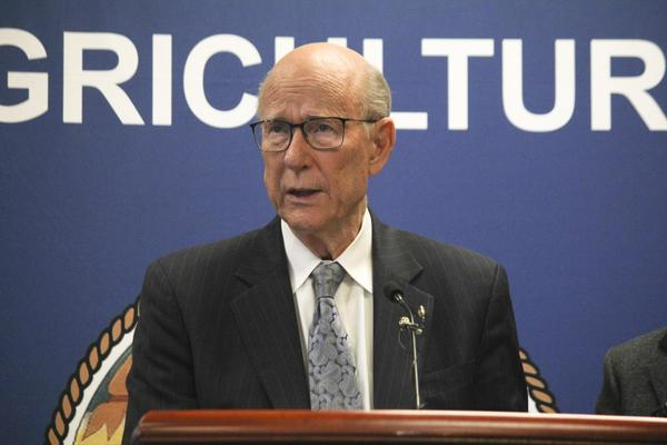 U.S. Sen. Pat Roberts, a Republican from Kansas, said Friday he won't run for re-election.