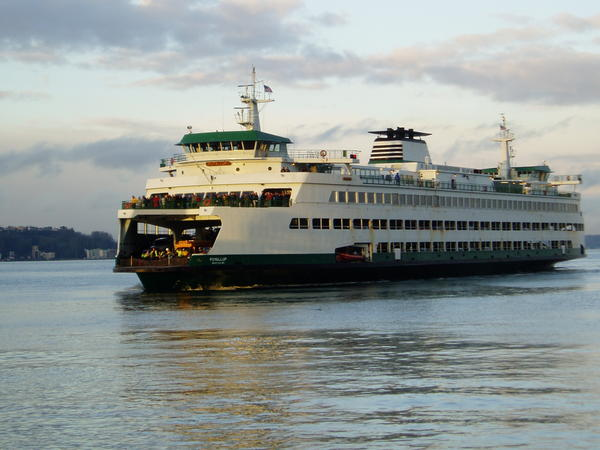 MV Puyallup approaches Pier 52 in Seattle.