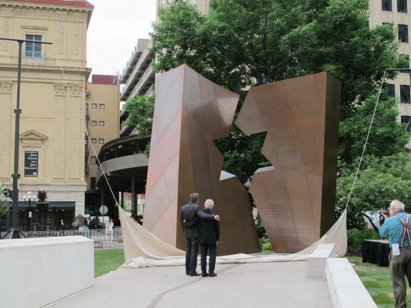 Gov. John Kasich and Holocaust memorial designer Daniel Libeskind admire the structure in 2014.