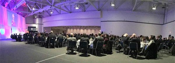 900 gather for the Akron Roundtable