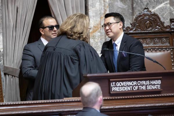 Sen. Joe Nguyen is sworn in at the Capitol.