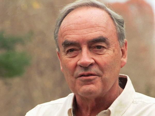 Harris Wofford, former senator and civil rights activist, died at 92 Monday.