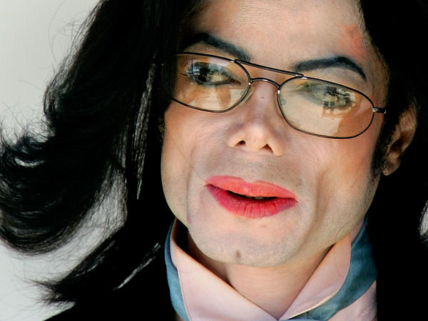 Michael Jackson, leaving the Santa Barbara County courthouse during his 2005 criminal trial.