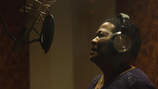 """""""I just sing what I feel,"""" Mary Lane says."""