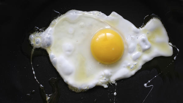 A study found that consuming two eggs per day was linked to a 27 percent higher risk of developing heart disease. But many experts say this new finding is no justification to drop eggs from your diet.