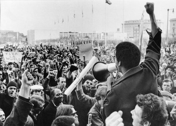A Black Students Union leader addresses a crowd of demonstrators in December 1968.
