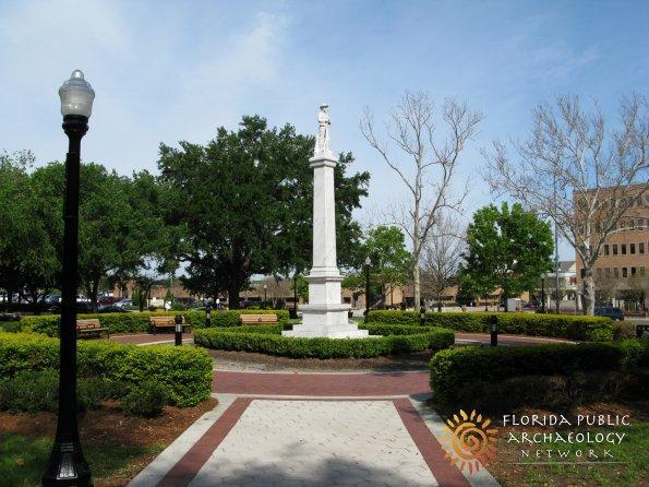 A monument to Confederate General Robert E. Lee has been moved from Lakeland's Munn Park.