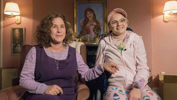 Patricia Arquette plays a mother who convinces the world that her daughter (Joey King) is seriously ill, in the Hulu series <em>The Act. </em>