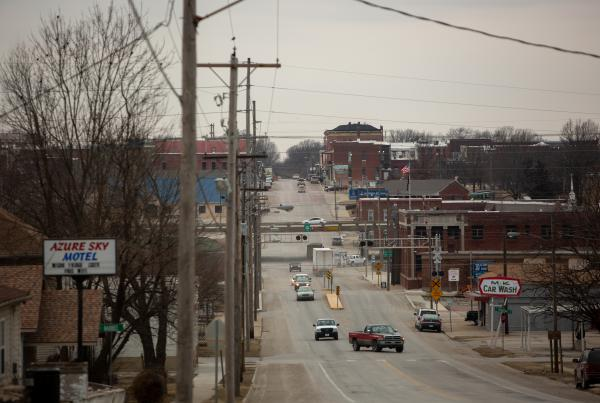 Fort Scott, Kan., fills up on weekday afternoons as locals grab pizza, visit a coffeehouse or browse antique shops and a bookstore. Like other rural communities, the commercial areas also include empty storefronts.