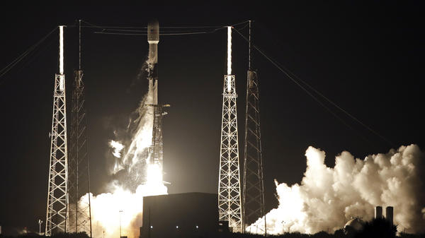 A Falcon 9 rocket carried 60 satellites for SpaceX's Starlink broadband network into space last month.