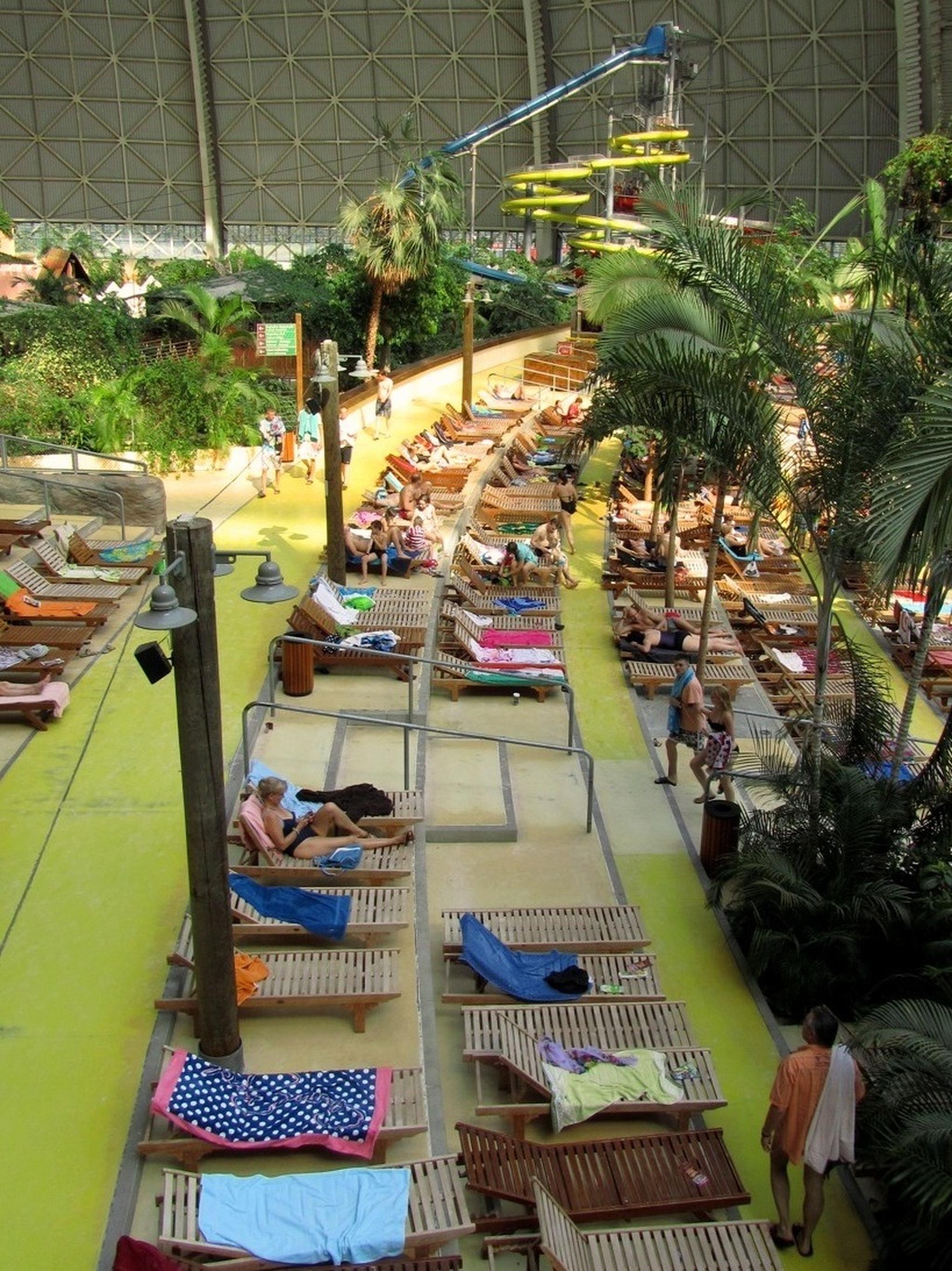 erlebnisbad berlin tropical