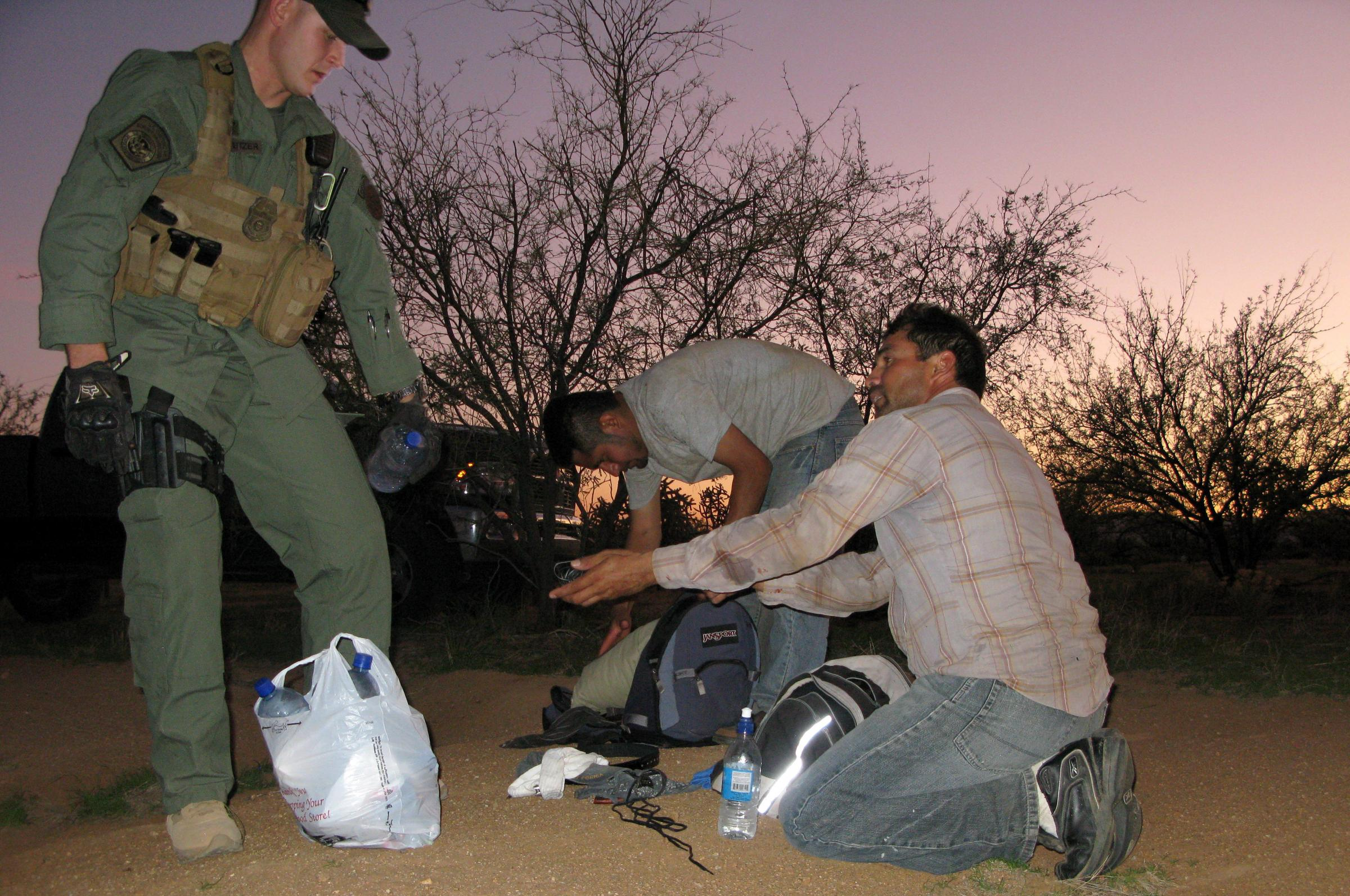 the job of the border federal agent in the states For this job of protecting the  border agent resume  border patrol agents work for the us customs and border protection governed by the federal government.