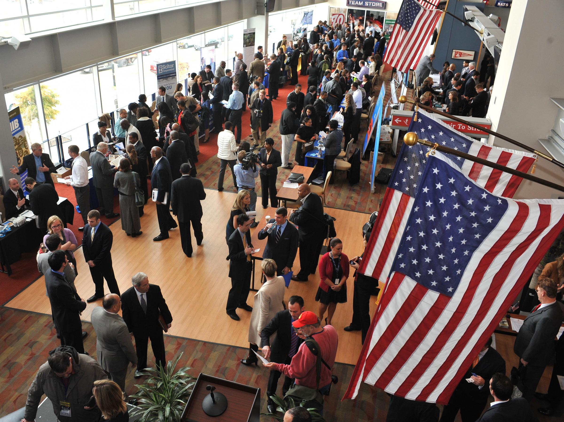 help slow to come for returning u s veterans news and hundreds of veterans and military spouses meet prospective employers at the hiring our heroes job