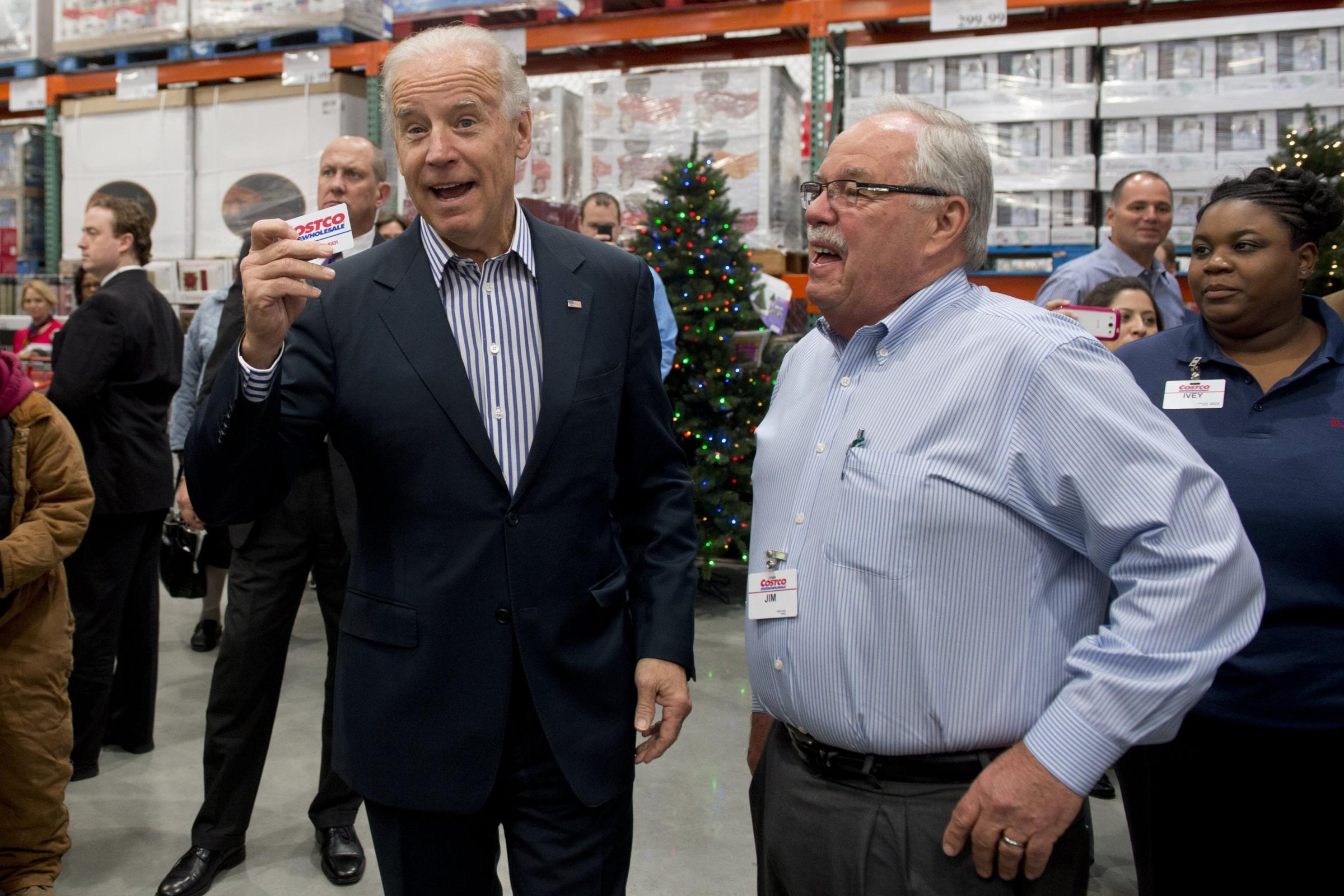 jim sinegal James d sinegal has been ceo of costco wholesale for 23 yearsmr sinegal has been with the company for 28 years and is its founder the 75 year old executive ranks 23 within retailing.
