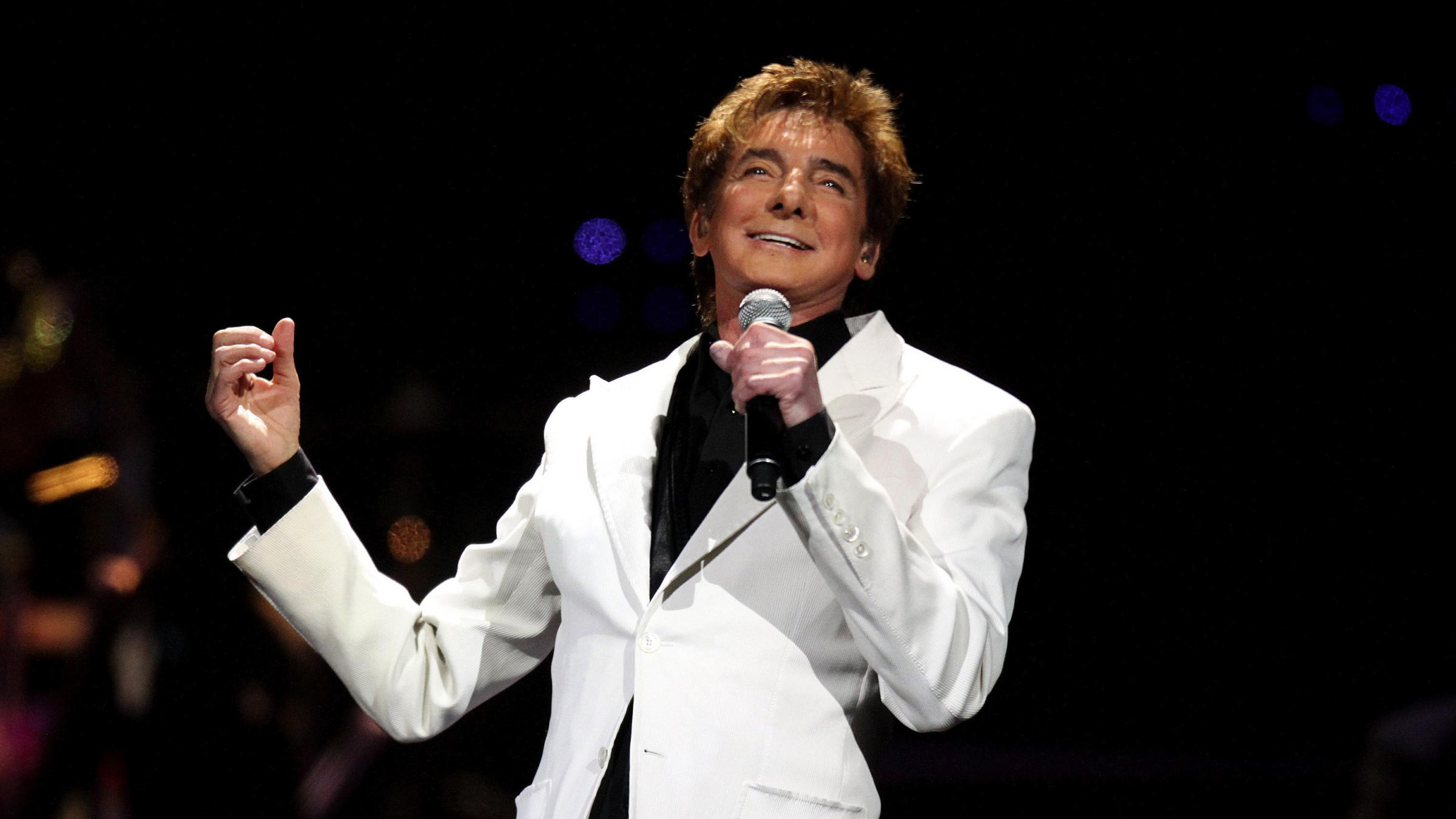 Barry Manilow On Singing Standards And His Real Job | WFAE