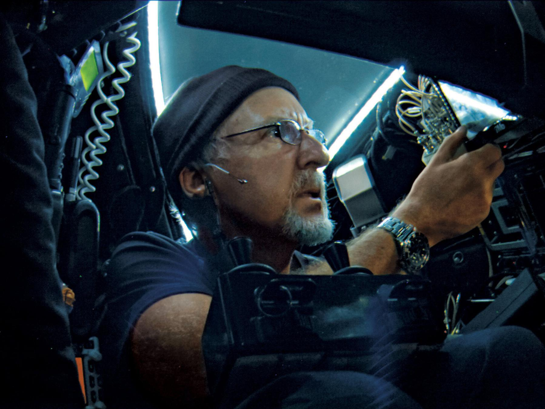 Descending Into The Mariana Trench James Cameron S